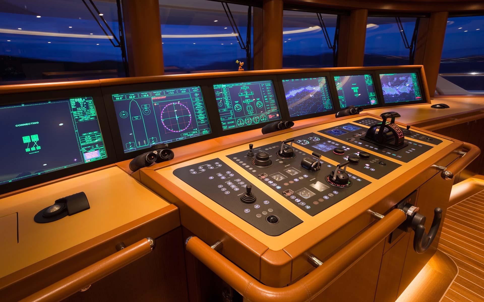 Bridge Deck | Yacht SOLANDGE